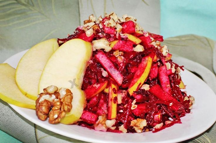 Салат из свежей свеклы и яблок