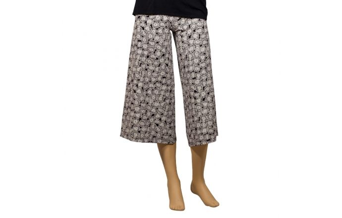 Pantalón pirata ancho con el estampado Dogon #PantalonesEstampados #InstintoBCN