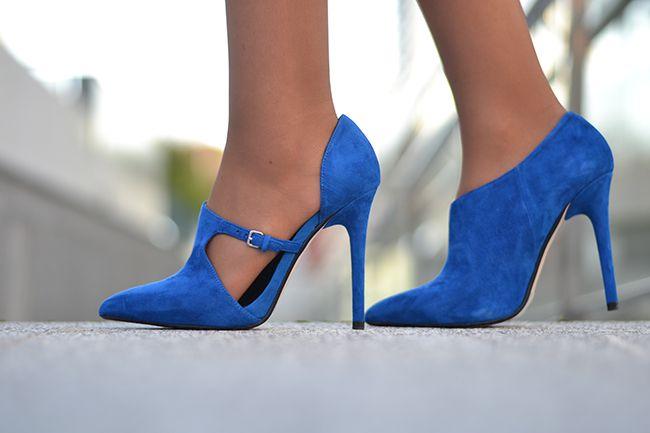 #miaventuraconlamoda #pantyhose #heels #legs #stiletto #fashion #blogger #tan