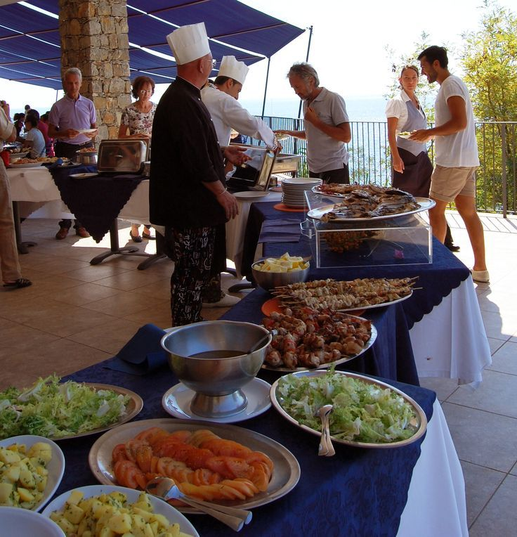 One of our mixed buffet with vegetables, fish and much more...#buffet #dinner