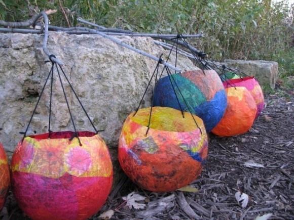 These are way cool!: Dollar Stores Crafts, Idea, Teas Lights, Paper Mache, Crafts Blog, Tissue Paper Lanterns, Diy, Balloon Lanterns, Kid