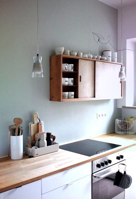 Salbei Grune Wand Weisse Kuche Holz Arbeitsplatte Kuche