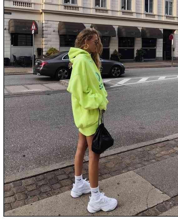 Neongrün liegt im Trend – Wie tragen?