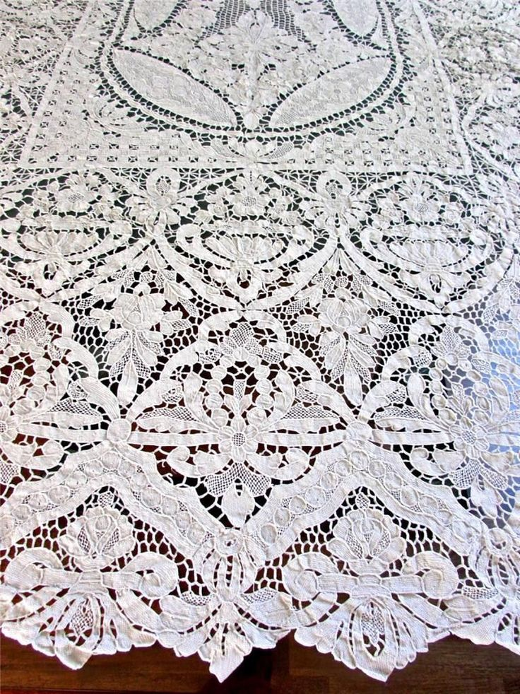 Antique Italian Needle Point Venise Lace Flower Urns 66x90 Banquet  Tablecloth | EBay