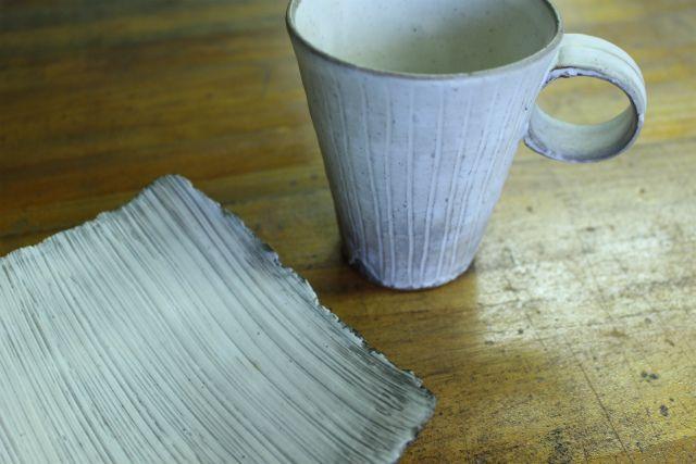 ウサラビ 〔 粉引マグカップ+刷毛目四方皿セット 〕