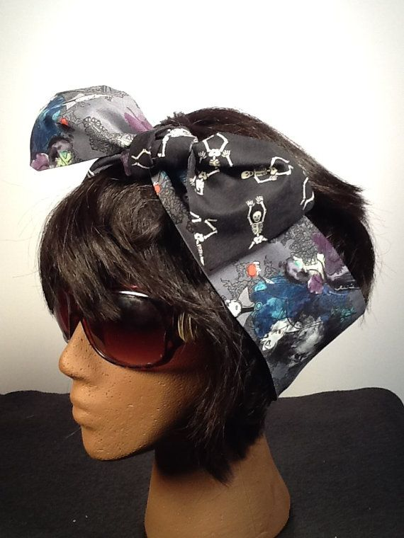 Dolly Bow Season of the Witch  Reversible by karinaallendraeger