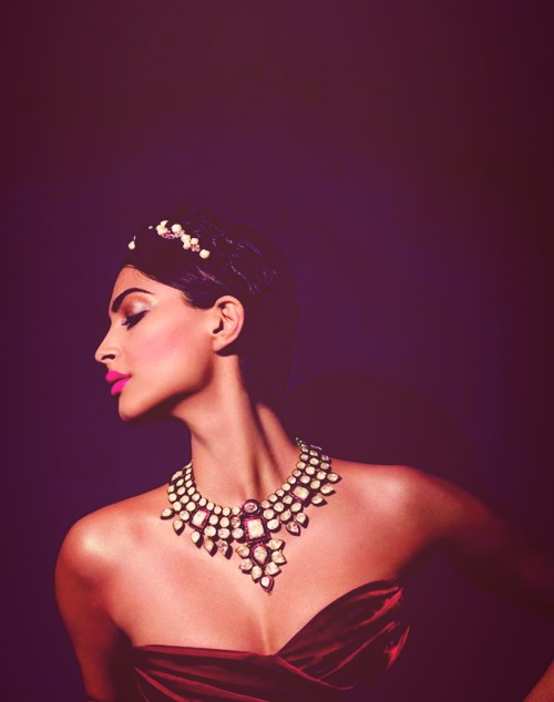 Sonam Kapoor #jewelry #india #bollywood