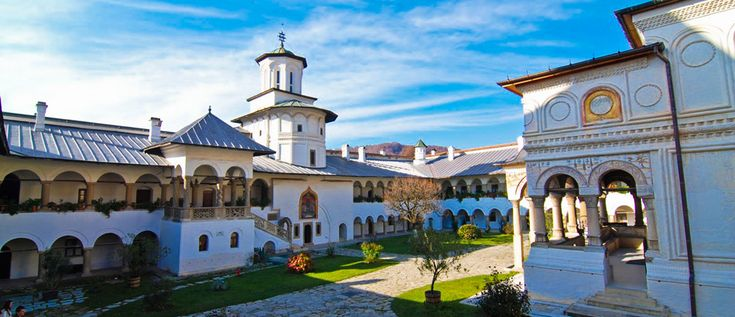 Horezu Monastery - is the largest religious settlement in Oltenia and is considered the most beautiful and refined example of Romanian architecture.