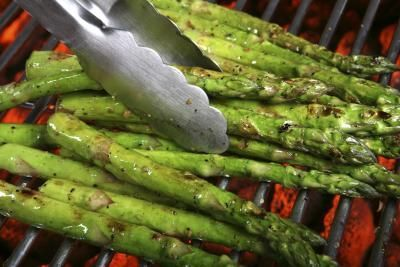 How to Cook Asparagus on the Grill | https://lomejordelaweb.es/