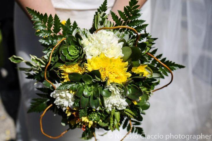 Oltre 25 fantastiche idee su Bouquet da sposa bianchi su Pinterest  Fiori di nozze bianchi ...