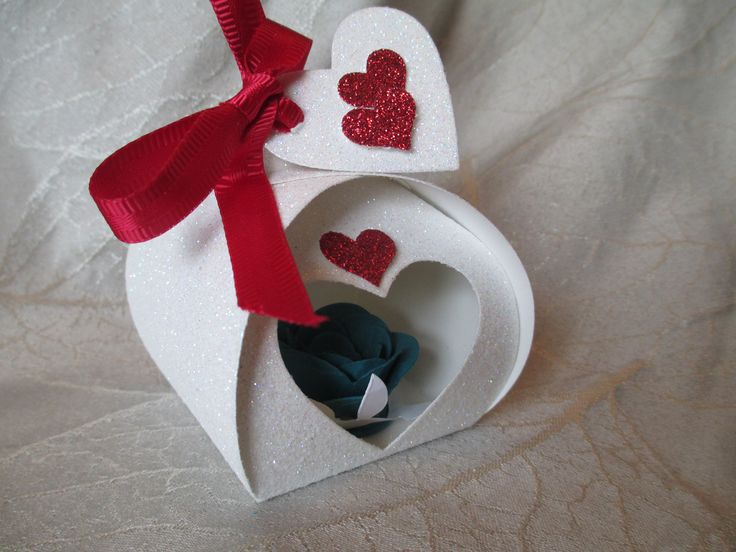 Curvy Keepsake Box created by Debi Paisie-2014 -Sweetheart - Red, White and Blue uses all Stampin'Up! products