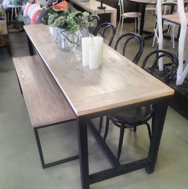 Great combination, bench & chairs together with our made to order dining table. #timber #bench #bentwoodchairs #chair #candle #diy #metal #black #comfy #homewares #shopping #camberwell #melbourne #decor #interiordesign #tosize #madetoorder #interior #dining #living #thursday #styling #timberfurniture