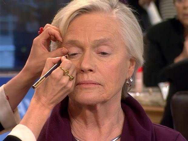 Going glam-ma: Makeup tutorial for senior citizens goes viral  - Style - TODAY.com