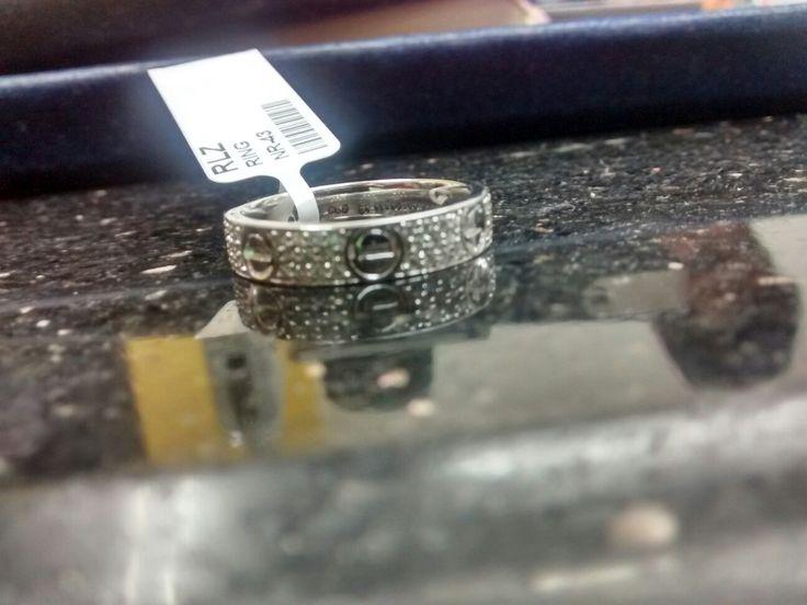 Diamond studed...white gold 18k..band type ring