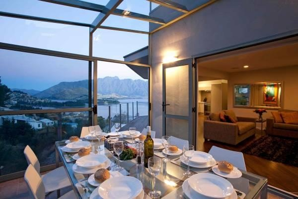 Queenstown Holiday Home Rental - 3 Bedroom, 3.0 Bath, Sleeps 7