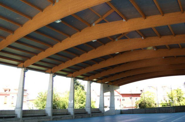 La madera laminada encolada para la formación de vigas de grandes luces