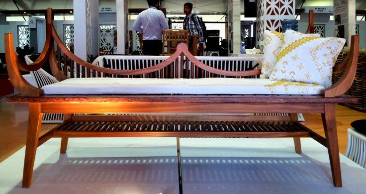 'gonjong chair' Indonesian Furniture Design Award 2013 Award