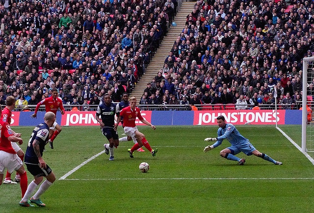 Southend united v Crewe Alexandra at Wembley by William Chouffot, via Flickr