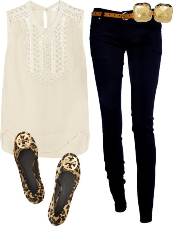 Black skinny jeans, white top, leopard flats.