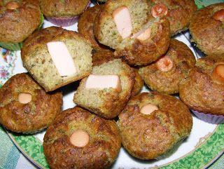 W Mojej Kuchni Lubię.. : muffinki porowo-pieczarkowe z parówką na ostro...