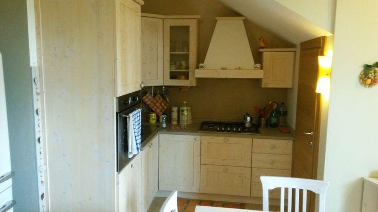 Cucina artigianale recuperando il spazio possibile