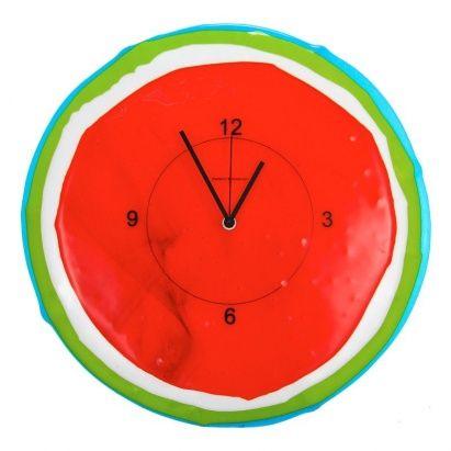 ЧАСЫ GIOVE КРАСНЫЕ  Эксклюзивная коллекция итальянских часов Diamantini domenicon изготовлена из муранского стекла в технике «фьюзинг», поэтому каждое изделие индивидуально.  Художник-дизайнер создает потрясающий узор, путем наложения и совмещения цветных элементов стеклянной мозаики, подготовленное изделие укладывается в форму и запекается в специальной печи при температуре до 900 градусов.  С помощью технологии фьюзинга можно создавать настоящие произведения искусства (картины, часы…