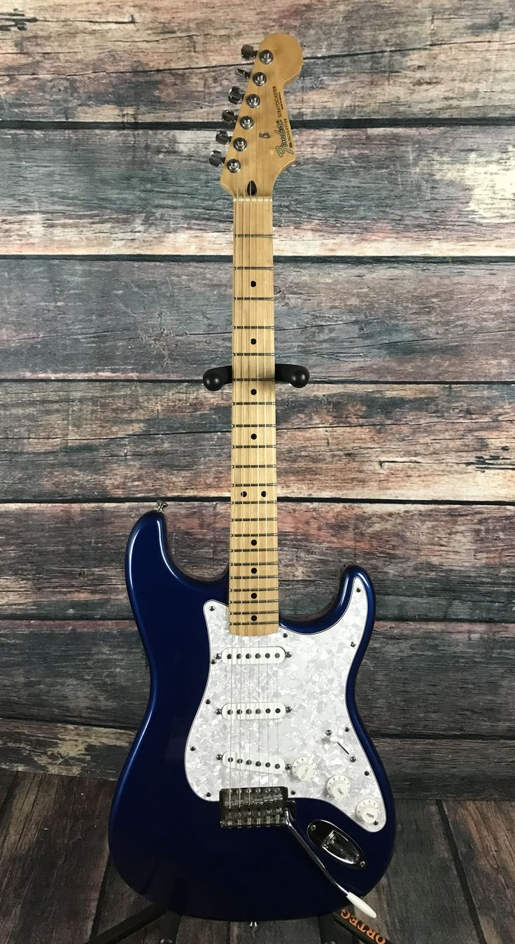 Used Fender 2006 60th Anniversary Mexican Stratocaster with Case