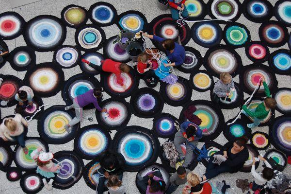 Temporary community.   Visual Art Research