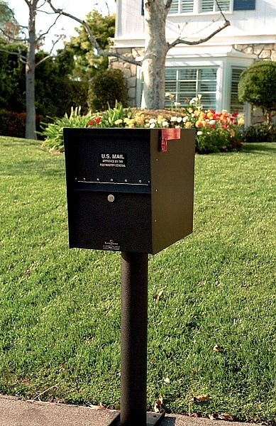 Lovely Front and Rear Entry Mailbox