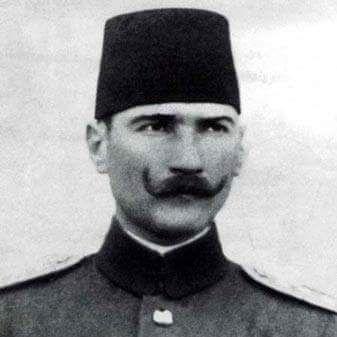 Wilhelm bıyıklı Atatürk.