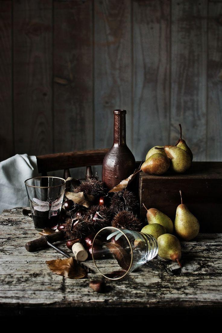 Pratos e Travessas: Coxas de frango com pêras, castanhas e vinho do Porto | Chicken thighs with pears, chestnuts and Port wine | Food, photo...