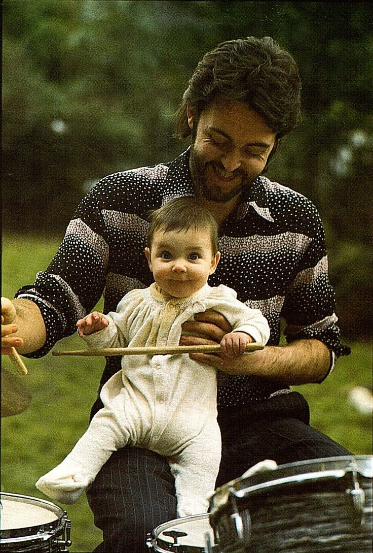 ~Paul and Mary McCartney by Linda McCartney ~*