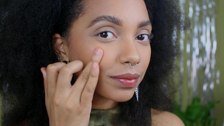 Bom, bonito e barato: iluminador natural em pontos estratégicos do rosto é o truque da semana