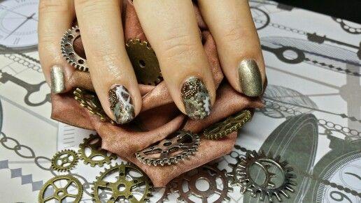 Steampunk nagels! Handgetekend met Cnd ™  Shellac ™ op natuurlijke nagels.
