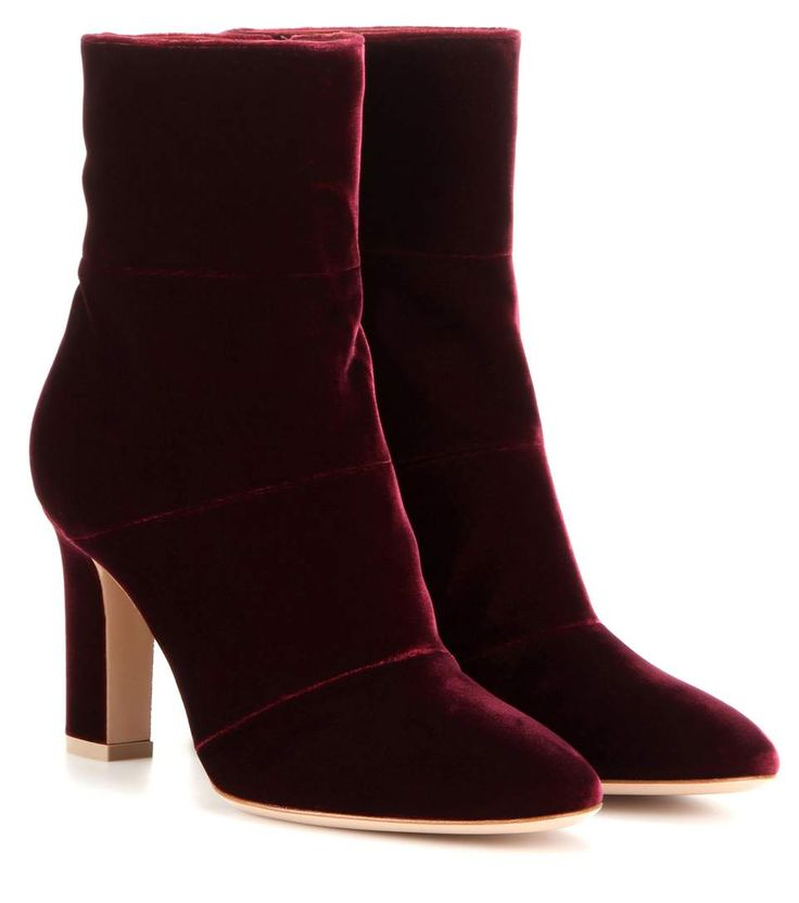 GIANVITO ROSSI Velvet Ankle Boots. #gianvitorossi #shoes #boots