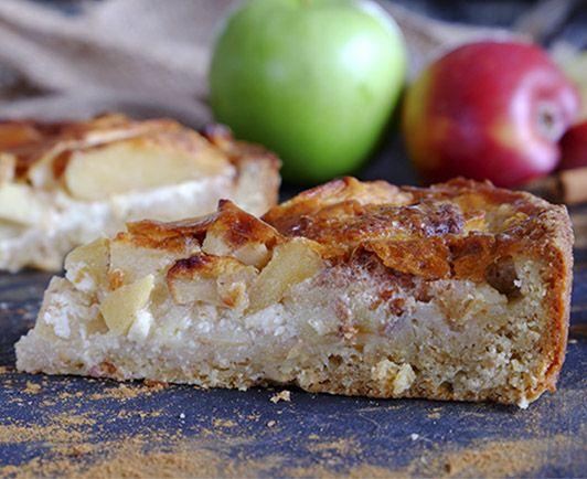 Wir haben unsere rustikale Apfel-Wähe mit Küchenmeisters Dinkelvollkornmehl gebacken. Der köstliche Duft von Äpfeln und Zimt wird Sie an Omas Küche erinnern und begeistern.