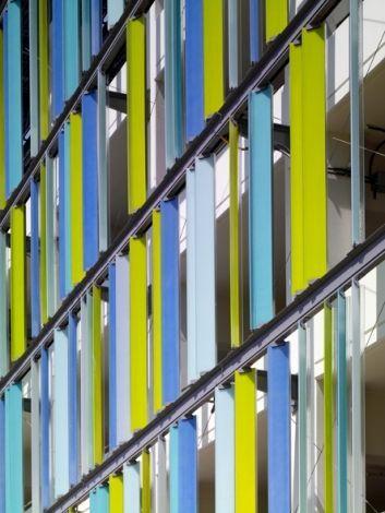 Santa Monica Civic Center Parking Structure | Moore Ruble Yudell Architects & Planners | Santa Monica, California | Facade | LEED | Photograph Moore Ruble Yudell