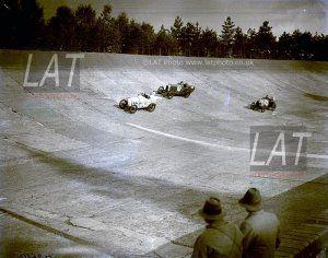 Milésimas: Un 13 de octubre de 1923 en Brooklands triunfaba Ramón Bueno en Cyclecars y Maurice Harvey en Voiturettes. En 1968 Ernesto Brambilla hacía suya la prueba de Hockenheim para la Fórmula 2 Europea.