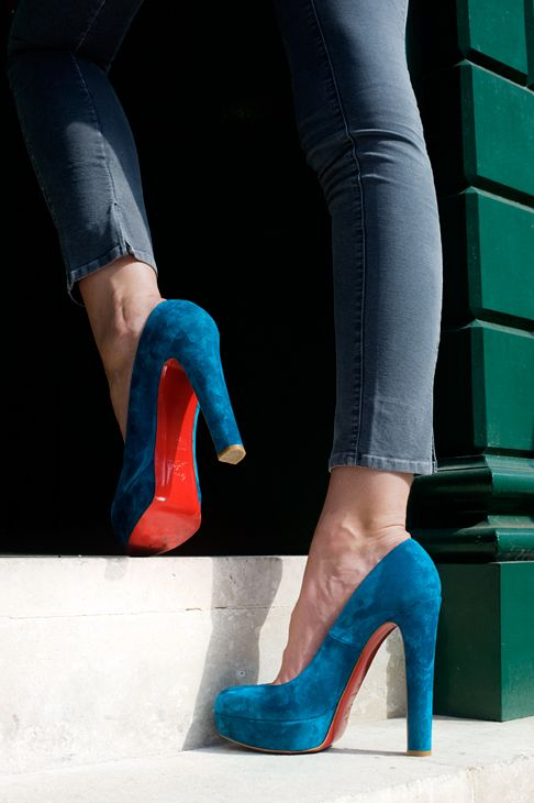 love the red: Red Bottoms, Style, Blue Suede Shoes, Red Sole, Heels Fashion, Christian Louboutin, High Heels, Shoes Shoes, Fashion Red