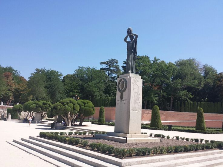 Jacinto Benavente, Madrid