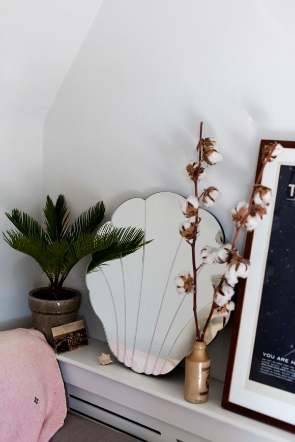 Shell Mirror | Urban Outfitters | Home & Gifts | Home Furnishings | Mirrors | UOBlog | UO Summer School: The Curious Pear #UrbanOutfitterseu #UOonYou #Blog