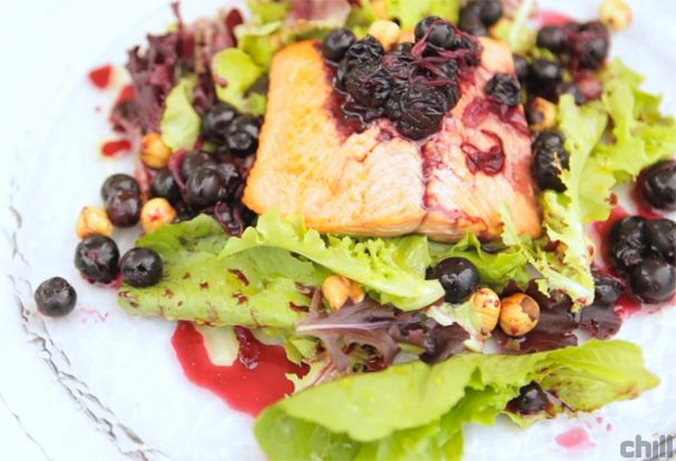 Wild Sockeye Salmon Salad with Blueberry Pickle http://ichill.ca/salmonsalad
