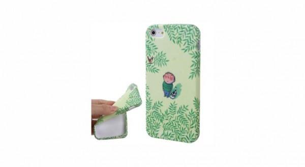 Spring Series Cover è realizzata in morbido silicone per proteggere il tuo iPhone 5 da urti, graffi e polvere senza compromettere l'utilizzo dei tasti e delle entrate laterali.