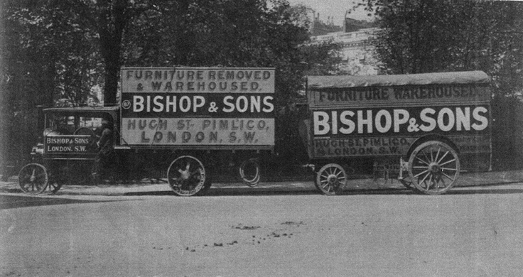 #OurHistoricVehicles #BishopsMove An original #Foden flatbed with liftvan towing a pentechnicon horse drawn van