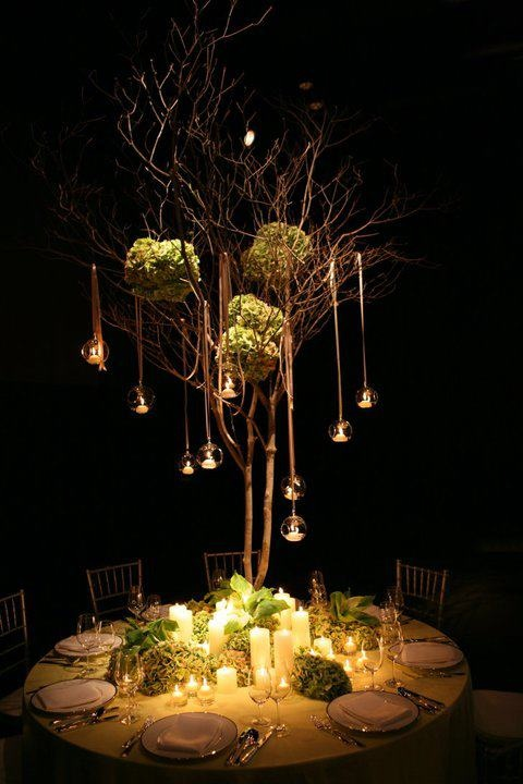 Georgous use of candle lighting to spotlight centerpiecs | Jeff Leatham