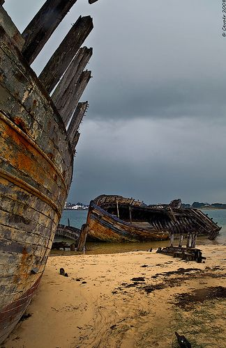(6) The Island was famous by the legends it had built up through the time, for the unaccountable accidents, which wrecks uncountable vessels bringing the to the amazing Cossack's tenure.