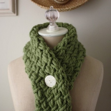 chunky, oversized cowl knitting pattern