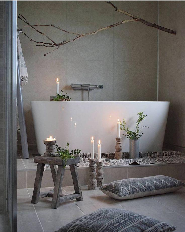 Deilige fredagskveld! Hadde gjerne ladet batteriene på badet til @huset_paa_yttersiden  #rørkjøp