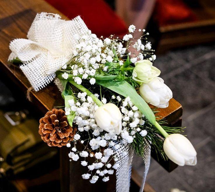 La semplicità si fa #fiore   #Event_ualmente #bouquet #matrimonio #rustico #allestimento #tulipani #Lecco