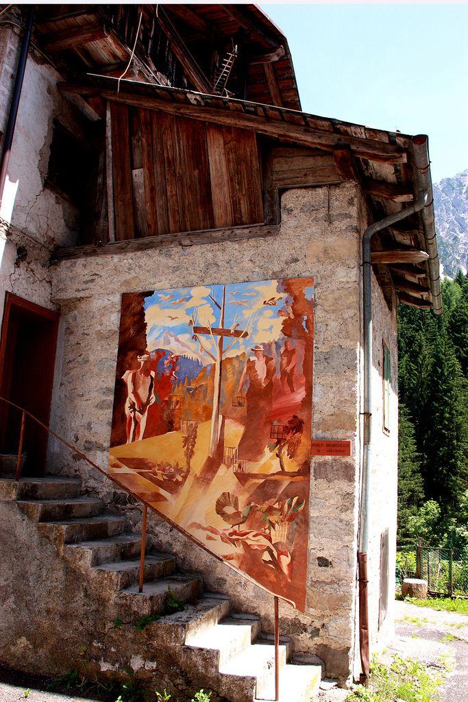 CIBIANA di CADORE (il paese dei Murales) | l'arte dei Murales racconta CIBIANA